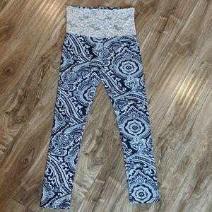 ❄️ 3/$25 High Waist Paisley Mandala Lace Leggings